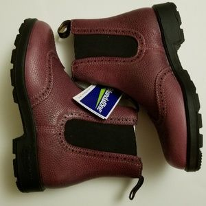 New Blundstone 1383 Brodo Vintage Red Chelsea Boot